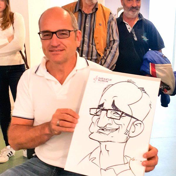 Schnellzeichnen_beste_live_Karikatur_Auf_Papier_22