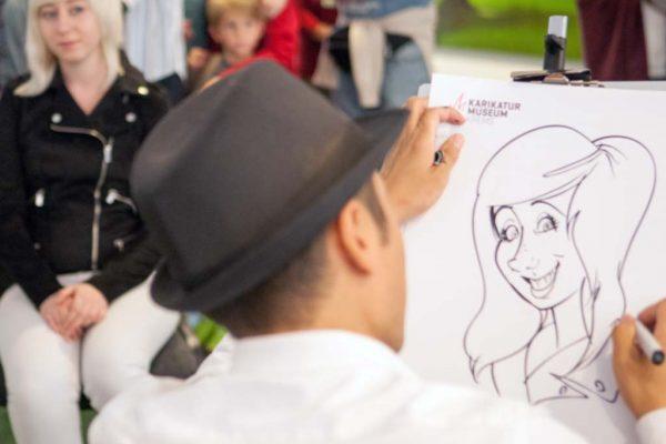 Schnellzeichnen_beste_live_Karikatur_Auf_Papier_081